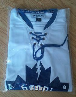 2016 PEARL JAM Jersey 05/12/16 Toronto, ON LARGE Not Poster Sticker SOLD OUT
